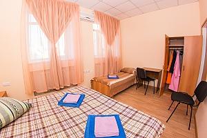 Family room 2, Studio, 003