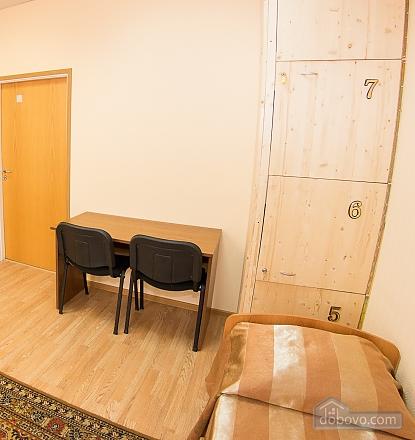 Четырехместный номер 1, 1-комнатная (86924), 004