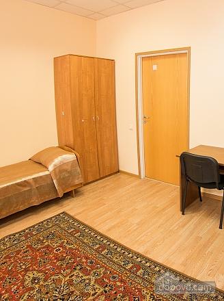 Четырехместный номер 1, 1-комнатная (86924), 005