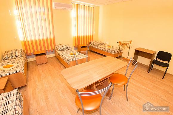 4-bed room 2, Studio (32843), 001