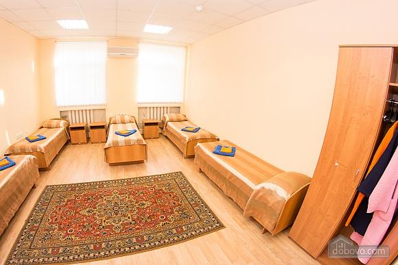 4-bed room 2, Studio (32843), 002