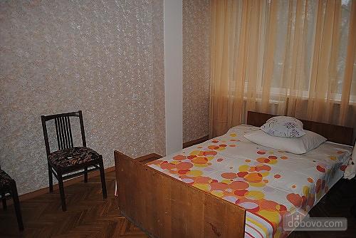 Квартира біля залізничного вокзалу, 2-кімнатна (60030), 001
