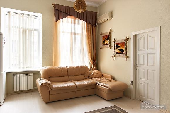 Квартира в историческом центре, 2х-комнатная (51748), 006