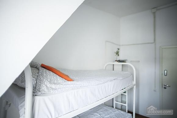 Хостел Петя і Вовк Місце в 4 х-місцевому жіночому номері, 1-кімнатна (87483), 001