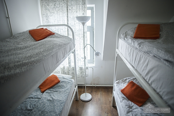 Hostel  Peter and the Wolf place in 4-bed female room, Studio (18198), 002