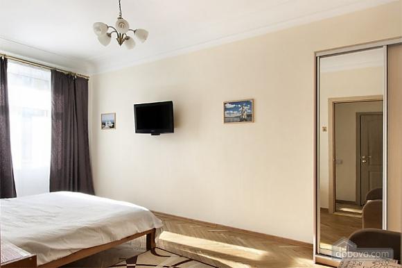 Квартира в самом центре, 1-комнатная (73250), 002