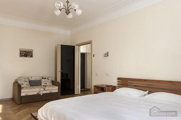 Квартира в самом центре, 1-комнатная (73250), 003