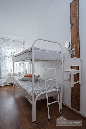 Hostel Peter and the Wolf Double room with bunk bed, Studio (86137), 001
