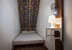 Hostel Peter and the Wolf Twin room without window with double bed, Studio, 001