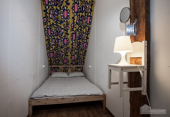 Hostel Peter and the Wolf Twin room without window with double bed, Monolocale (98922), 001