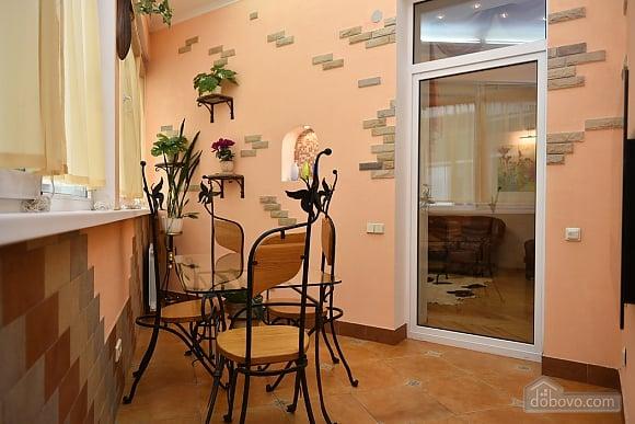 Шикарная квартира в тихом центре, 2х-комнатная (79586), 003