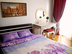 Apartment on Tairova  near Nezalezhnosti square, Studio, 002
