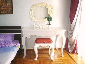 Apartment on Tairova  near Nezalezhnosti square, Studio, 003