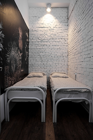 Hostel Peter and the Wolf Double room without window with single beds, Studio, 002