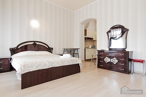 Уютная студио в самом центре города, 1-комнатная (18022), 006