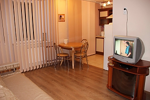 Apartment in Chernihiv city center, Zweizimmerwohnung, 003