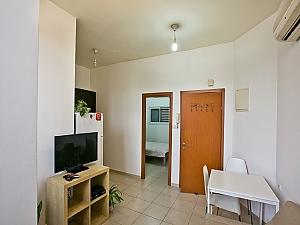 Apartment in Tel Aviv, Un chambre, 003