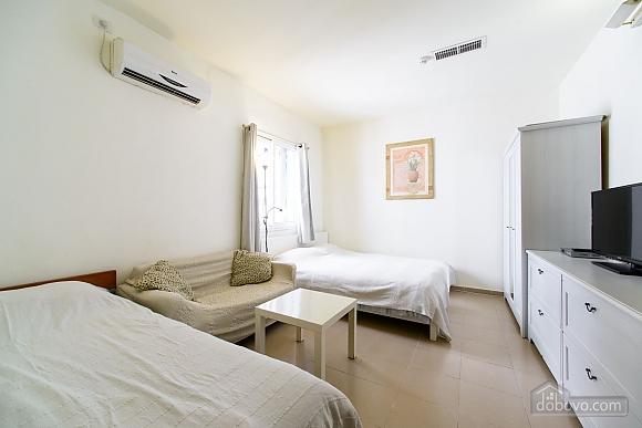Уютная квартира-студио в Тель-Авиве, 1-комнатная (56080), 001