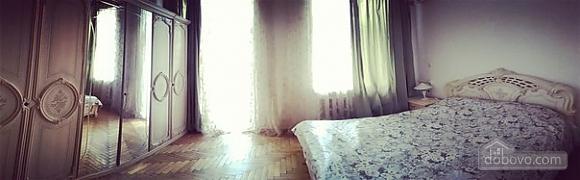 Квартира на Майдані Незалежності, 3-кімнатна (28388), 001