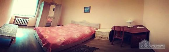 Квартира на Майдані Незалежності, 3-кімнатна (28388), 002