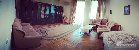 Квартира на Майдані Незалежності, 3-кімнатна (28388), 003