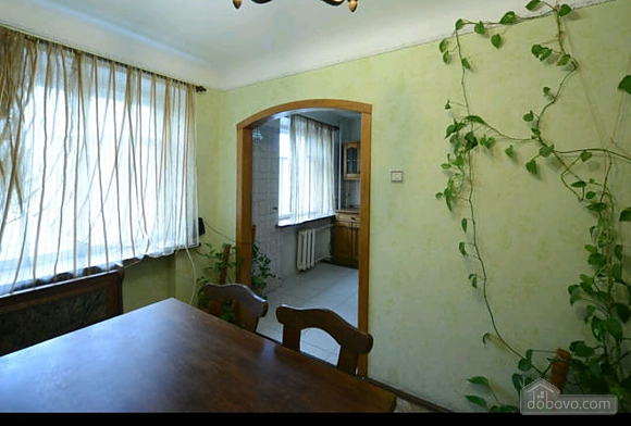 Apartment in a quiet courtyard in Podil, Una Camera (70601), 007