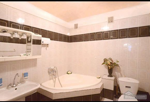 Квартира в тихому дворику на Подолі, 2-кімнатна (70601), 012