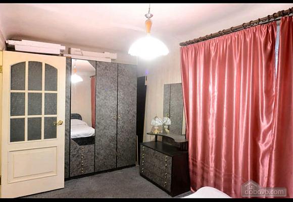 Apartment in a quiet courtyard in Podil, Una Camera (70601), 006