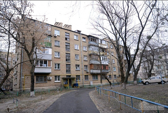 Apartment in a quiet courtyard in Podil, Una Camera (70601), 014