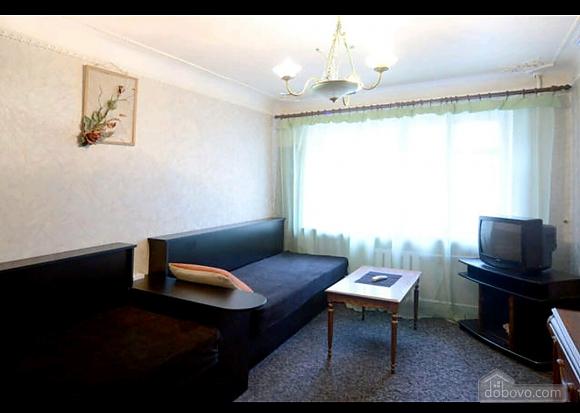 Квартира в тихому дворику на Подолі, 2-кімнатна (70601), 002