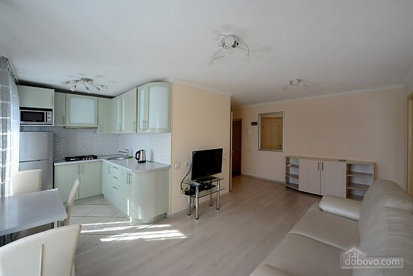 Quiet cozy apartment opposite the park in the center of Kiev, Una Camera (55256), 001