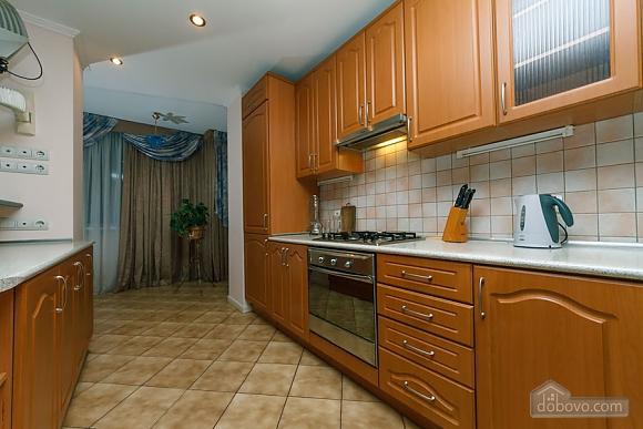 Apartment on Maidan, Una Camera (39323), 011