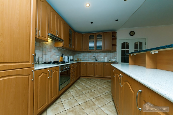 Apartment on Maidan, Una Camera (39323), 012