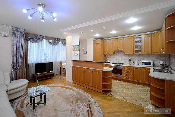Apartment on Maidan, Una Camera (39323), 001
