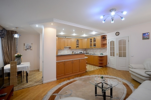 Apartment on Maidan, Un chambre, 002