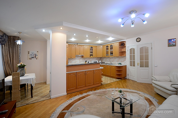 Apartment on Maidan, Una Camera (39323), 002