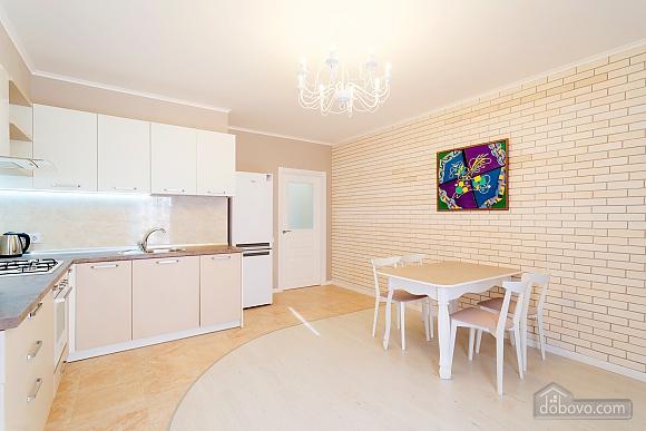 VIP апартаменты, 2х-комнатная (38457), 010