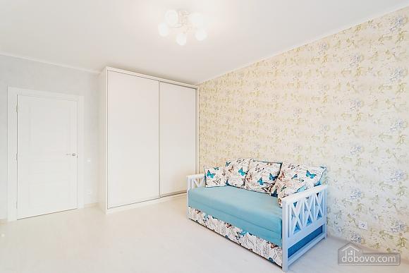 VIP апартаменты, 2х-комнатная (38457), 021