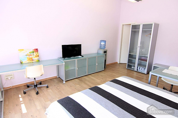 Business class studio in the center of Odessa, Studio (54867), 004
