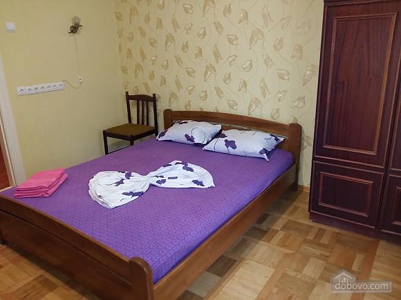 Apartment near Druzhby Narodiv metro station, Dreizimmerwohnung (71999), 002