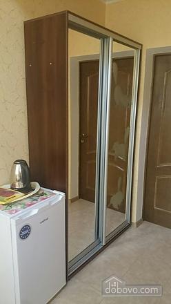 Pink Toucan, Studio (91736), 005