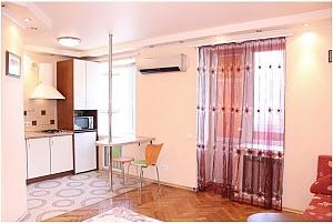 Квартира поряд з метро, 1-кімнатна, 003