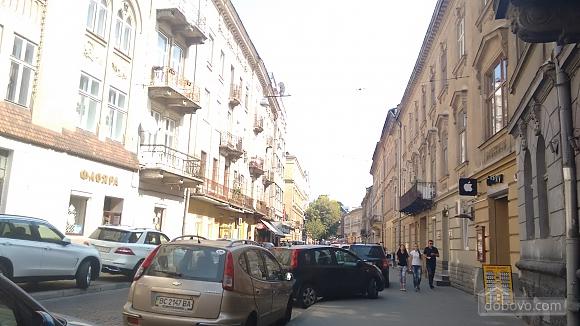 Апартаменты рядом с центром, 2х-комнатная (69136), 006
