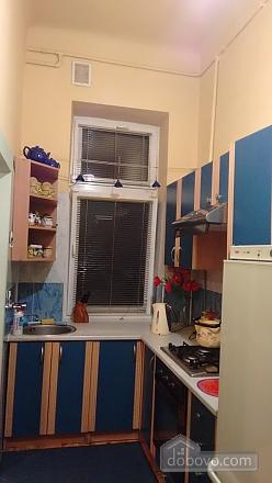 Апартаменты рядом с центром, 2х-комнатная (69136), 009