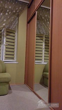 Апартаменты рядом с центром, 2х-комнатная (69136), 010