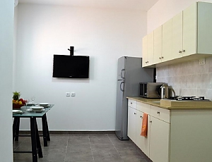 Apartment with the garden, Un chambre, 003