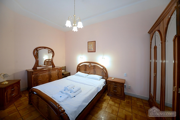 Two bedroom classical style apartment in the historic house in the center of Kiev, Dreizimmerwohnung (72106), 001