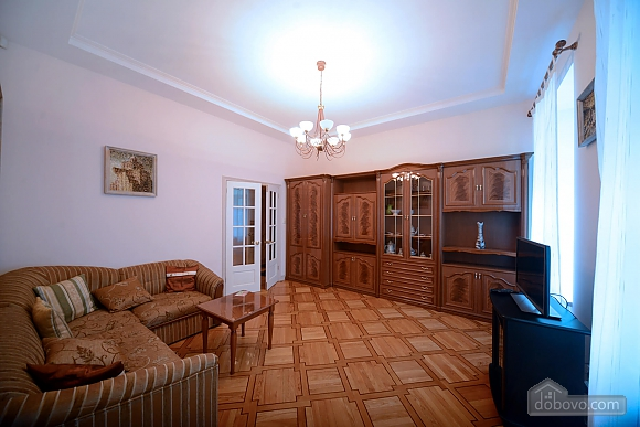 Two bedroom classical style apartment in the historic house in the center of Kiev, Dreizimmerwohnung (72106), 004