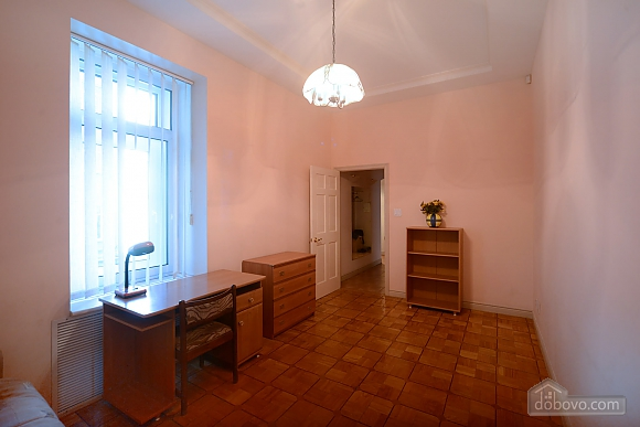 Two bedroom classical style apartment in the historic house in the center of Kiev, Dreizimmerwohnung (72106), 006