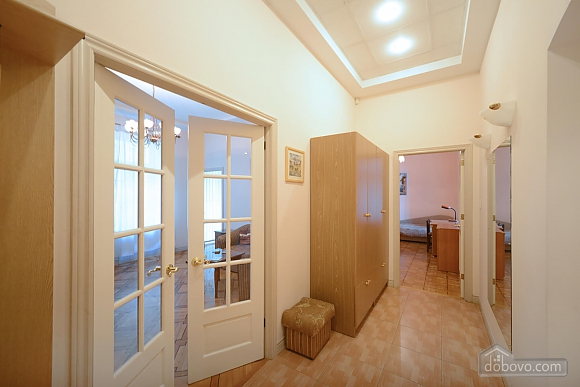 Two bedroom classical style apartment in the historic house in the center of Kiev, Dreizimmerwohnung (72106), 009